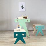 Nimiolab  De walrus family tafel en krukjes_