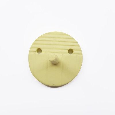 Studio Daphne Zuilhof Nosy muurhaak geel